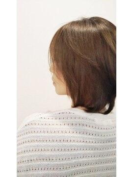 オラボ(olabo)艶髪ボブスタイル