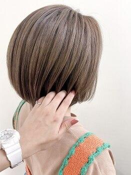 ネオリーブ チロル 横浜西口店(Neolive CiroL.)の写真/ずっと悩まされていた白髪を好きになる[白髪活かし]or[白髪ぼかし]最適な提案で大人女性の願いを叶える!