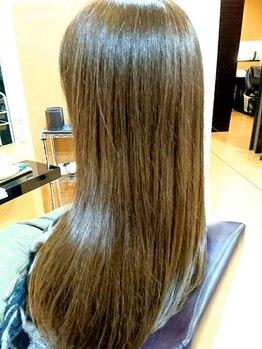 アルフィーネ(alfine)の写真/テラヘルツ波を閉じ込めた【煌水-キラスイ-】で毛先まで艶めくうるツヤに☆ワンランク上の美髪になれる♪
