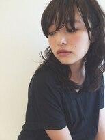シー(she.)she.のミディアムカール