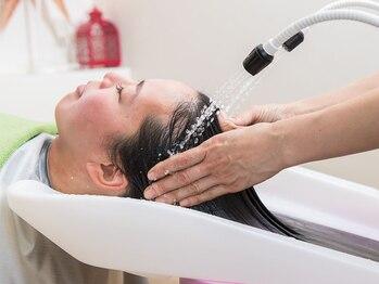ベル ジュバンス マハロ(MAHALO)の写真/当店人気のヘアエステは、髪を育てる土壌である頭皮を洗浄+マッサージ☆リラックスして頂けます。
