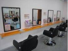 ピース(hair design Peace)の雰囲気(席の間隔も広いので、ゆっくりとサロンタイムを過ごせます。)