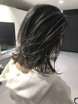 キング ヘアーアンドアイラッシュ(K!ng hair&eyelash)切りっぱなしBOBホワイトハイライト