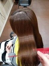 アトリエ ブイ(atelier v)ロングヘアーの縮毛矯正
