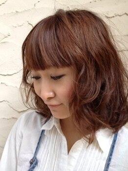 ファビュラス レイ(Fabulous Lei)の写真/キラキラ輝く季節の旬色をご提案♪6種類のハーブ配合でダメージを抑え髪に潤いを与えて美しく染まる☆