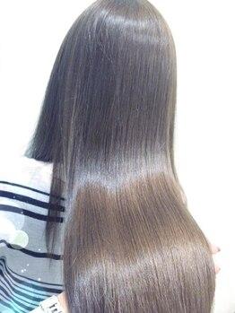 ヘアーズ レアリスト(hair's rea list)の写真/クセが強くてロングヘアに挑戦できない/ダメージが気になる方必見!髪質に合わせた施術で自然なストレート♪