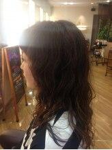 アレス☆ふわふわ愛されパーマ&オン眉の短め前髪が新鮮なスタイル♪