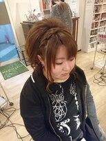 編みカチュ盛りヘアー