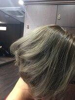 髪の美院 シャルマン ビューティー クリニック(Charmant Beauty Clinic)アッシュ系カラー