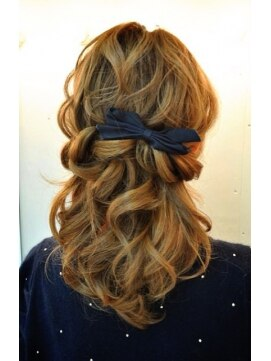 結婚式の髪型 ヘアアレンジ  ツイストハーフ