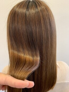 オラボ(olabo)の写真/なりたい質感に合わせた施術で、ナチュラルストレートが叶う♪思わず触れたくなるようなサラサラ髪へ─。
