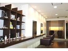 ヘアデザイナーズ ウイング(hair designers wing)の雰囲気(座面が暖かい!半個室でマッサージシャンプーでほっこり夢心地。)