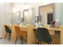 サードカラー 祖師ヶ谷大蔵(3rd color)の雰囲気(ブロースペースのプライベート空間は半個室で充実◎)