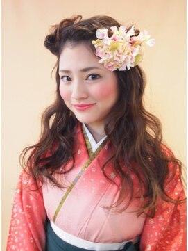 スゥリール(souRiLe)【卒業式・謝恩会に♪】袴のふわふわダウンアレンジ☆