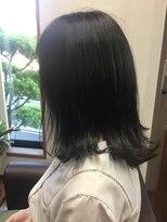 黒髪外ハネミディアムスタイル