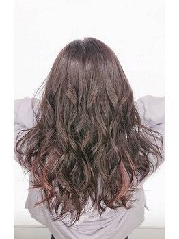 ルル カリス(lulu CHARIS)の写真/髪質を見極め、一人一人の髪質や肌質に合わせてあなたの魅力を引き出すヘアカラーをご提案☆