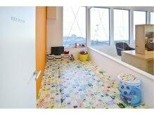 サラビューティーサイト 九大学研都市店(SARA Beauty Sight)の雰囲気(キッズスペース有、オムツ替えシート、授乳スペースも完備!)