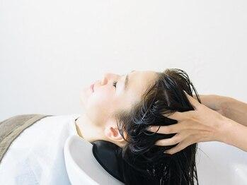 カル(caru)の写真/【北浦和駅徒歩3分】美しい髪は頭皮から―。頭皮環境を整え 髪本来の美しさを取り戻すのが私たちの仕事です