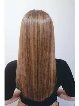 ルル カリス(lulu CHARIS)の写真/傷んだ髪を修復し、思わず触れてみたくなる仕上りに☆クセのお悩みを解決し理想のStyleに♪
