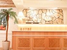 ラックスビー マハロ 江坂店(LUXBE MAHALO)の雰囲気(ハワイをイメージした店内はアットホーム+高級感*大人ハワイ空間)