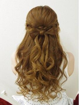 結婚式髪型ハーフアップ 編み込みリボンハーフアップ