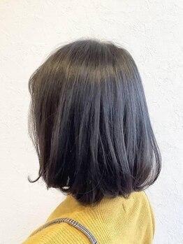 ピース(piEcE)の写真/最高級AAAランクヘナで肌質、髪質改善◎他にもバーデンスやアジュバン等、髪を労わる商材を多数ご用意!