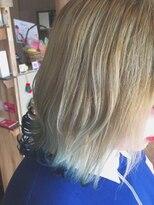 アイビーヘアー(IVY Hair)裾カラー ブルー
