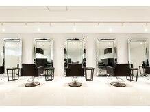 サロン ド ランフィニテ(Salon de Infinite)の雰囲気(洗練された上質空間。寛いで過ごせます。)