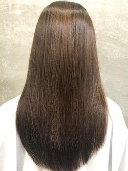 グラムビューティー 足利(gram beauty)の写真/《髪質改善サロン》美髪ケアのすべてをここで◎髪質改善トリートメントでワンランク上のうるツヤ美髪に―♪