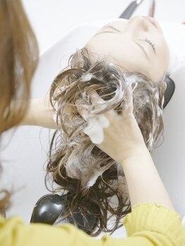 アウリイバイイルヘアー(Aulii by illu hair)の写真/【谷町九丁目/徒歩2分】Aujuaのエイジングスパでリラクシングマッサージ~リフトアップマッサージまで◎
