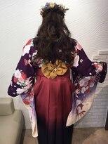 袴の帯アレンジに編み込みハーフアップ