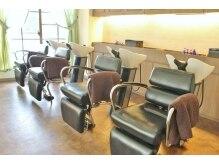 ビゼン 東伏見本店(hair make BIZEN)の雰囲気(バックシャンプーは、首や腰への負担がかかりにくいです。)