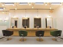 サードカラー 祖師ヶ谷大蔵(3rd color)の雰囲気(スタイリッシュな店内で清潔感が十分◎)