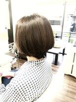 ヴィオレッタ ヘアアンドスペース(VIOLETTA hair&space)ショートボブ×グレイカラー×ハイライト[塚口美容室]