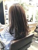 ヘアーガーデンロルド(hair garden Rold)誰でも似合う、Iラインのシルエットがすっきり小顔効果