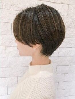 ラヴリア カミツ(LOVERIA KAMITSU)の写真/◆どこから見られても美シルエット◆自分でお手入れしやすい、大人の女性のためのショートヘアをご提案。