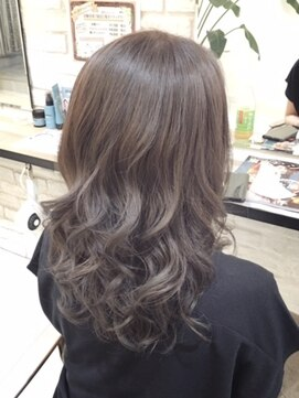 ブレッザヘアー(Brezza hair)アッシュグレージュ×Brezza hair 笹塚