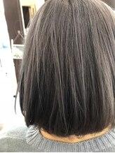 ヘアー チクタク(Hair Ciku-taku)アッシュグレー×軽ボブ