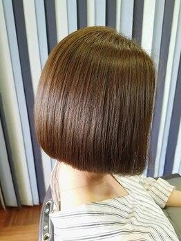 ベイ サロン タカミ(BAY SALON TAKAMI)の写真/港区◆さまざまな髪質やダメージに合ったシャンプーやトリートメントをご用意♪ワンランク上を目指す女性に