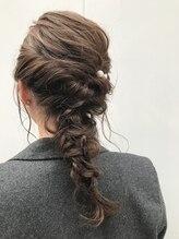 ヘア デザイン クランプ フロント(Hair Design CLAMP front)あみおろしアレンジ