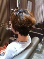 ヘアーアンドリフレ ドゥゼル(Hair&Refle Deux Alies)ふんわりショートスタイル
