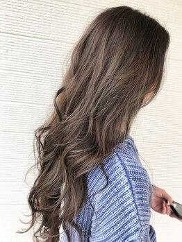 美容室リフレの写真/サロン帰りのスタイルが長持ち♪クセや毛流れを活かして丁寧にカットするから、扱いやすい素直な髪に☆