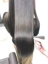 【お悩み改善ならコレ◎】高濃度《水素ヘアパック》で髪と頭皮を土台から整えて、健康的なツヤ髪に♪