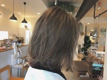 スプリング バイ ラシク(spring by Rasiku)の写真/知識と技術を兼ね備えたベテランスタイリストが、イメージに合わせて一人ひとりに似合う髪色をご提案☆