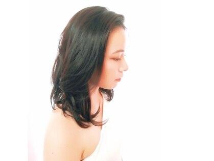 カットアンドカラーロータス 美容室の写真