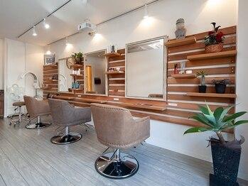 サードプレイス(3rd PLACE)の写真/【六浦駅徒歩1分!】美容室が苦手な方にもオススメ◎お客様のつながりを第一に温かみある空間をご提供!