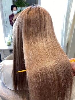 ブレスヘアーデザイン(BLESS HAIR DESIGN)の写真/東京初!!《美革ストレート》メーカー認定講師在籍☆お1人ずつに合わせた薬剤で生まれたままの美髪へ☆
