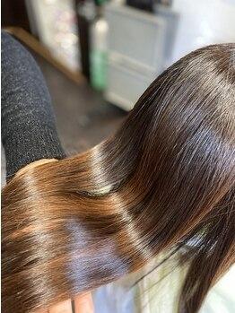 リーフ(Leaf)の写真/【武蔵浦和徒歩1分/髪質改善】髪質やクセの状態を見極めた縮毛矯正で、理想のナチュラルストレートに◎