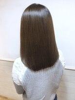 ローラン(ROULAND)髪質改善による弾力のあるくびれセミディ