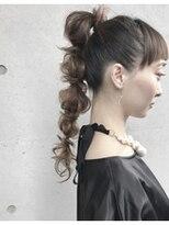 アレーン ヘアデザイン(Alaine hair design)【NAOMI】ぽんぽんポニーテール モードスタイル